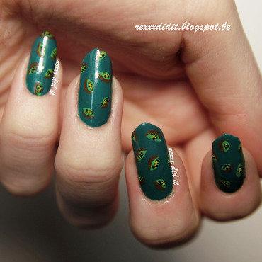 An Abundance of Kiwis! nail art by Robin