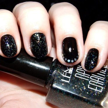 Night Sky nail art by Paulina Domoradzka
