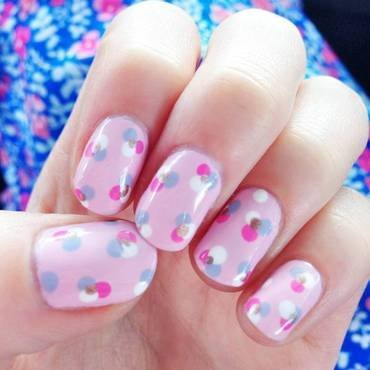 Polka Dot Flowers nail art by Anya Qiu