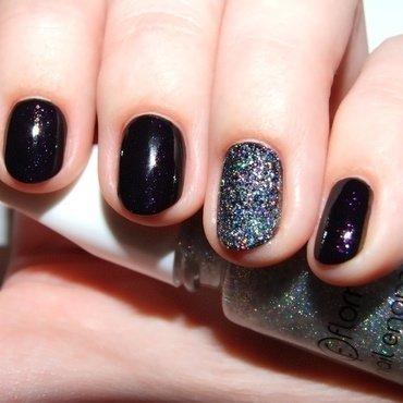 Holo-night nail art by Paulina Domoradzka