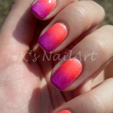 Neon gradient nails thumb370f
