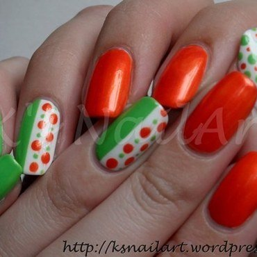 Spring dots nails 1 thumb370f