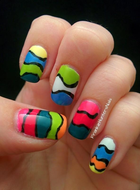 gift wrap inspired mani nail art by Franziska FrankieHuntersNails