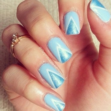 Chevron Mani nail art by Alexandra