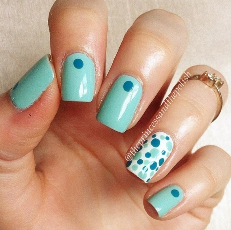 Minty Dotticure nail art by Alexandra