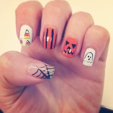 Halloween Nails nail art by Sam Winnick