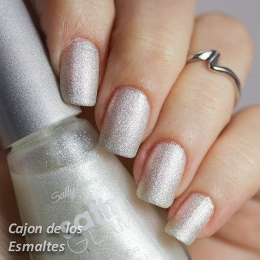 Sally hansen crystaline satin glam 4 thumb370f