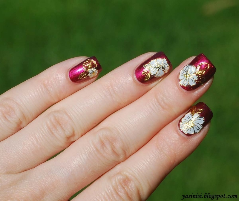 Flowers nail art by Yasinisi