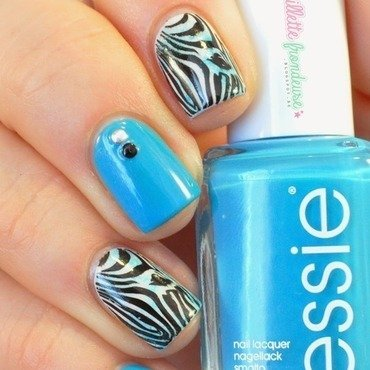 Essie strut your stuff zebra 9 thumb370f