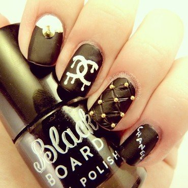 Chanel Nails nail art by sophdoesnails -