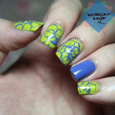 Abstract Circles nail art by Karise Tan