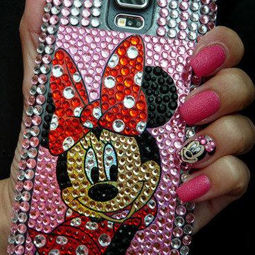 Minnie Mouse nail art by Radi Dimitrova