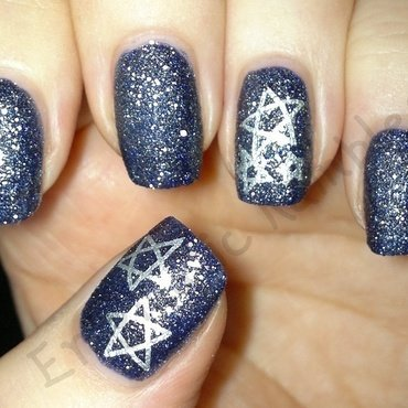 Stamped Textured Stars nail art by Enigmatic Rambles