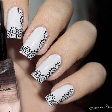 Nail art black and white   1  thumb370f