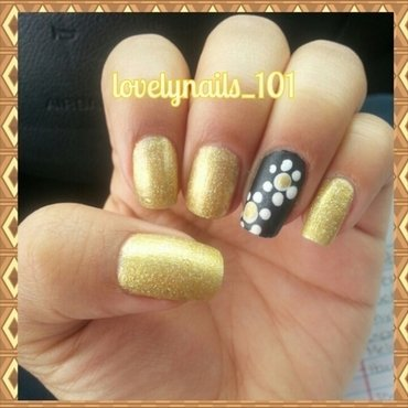 Golden Matte flower nail art by Magaly