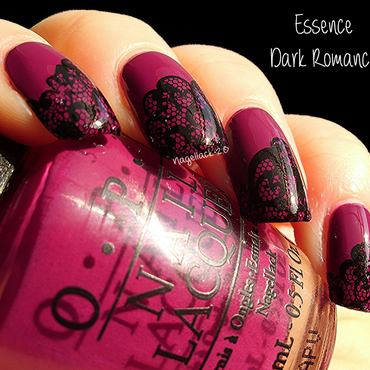 Dark Romance nail art by Arlett