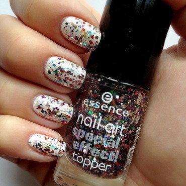 Essence Circus confetti 02 Swatch by Anna Malinina