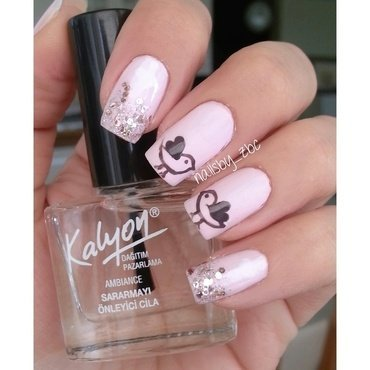 pinky love birds  nail art by Zeynep Celikel