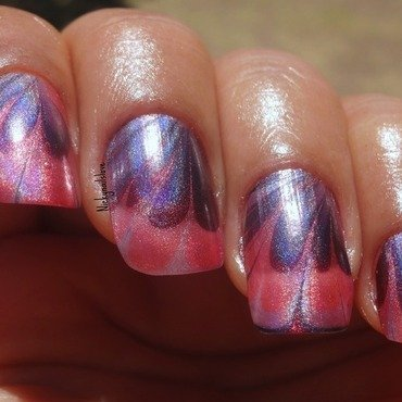 Watermarble nail art by Nicky