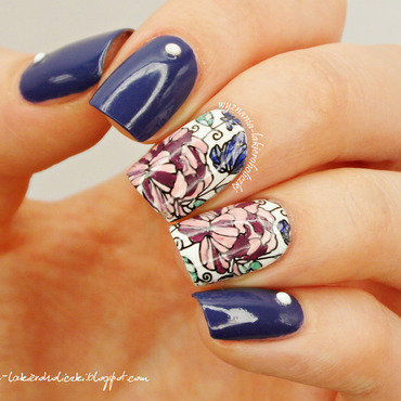Flowers nail art by Olaa