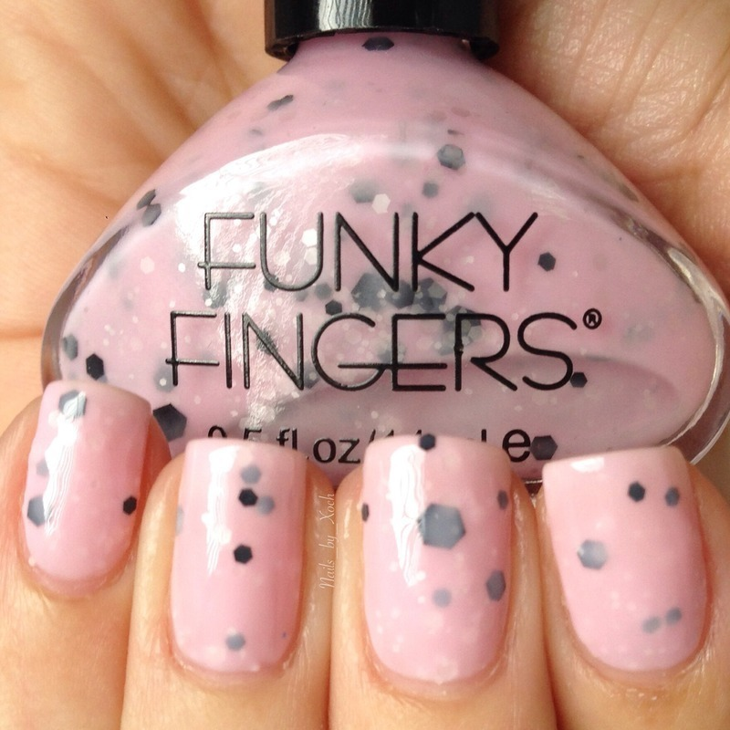Funky Fingers Berried treasure Swatch by Xochilt
