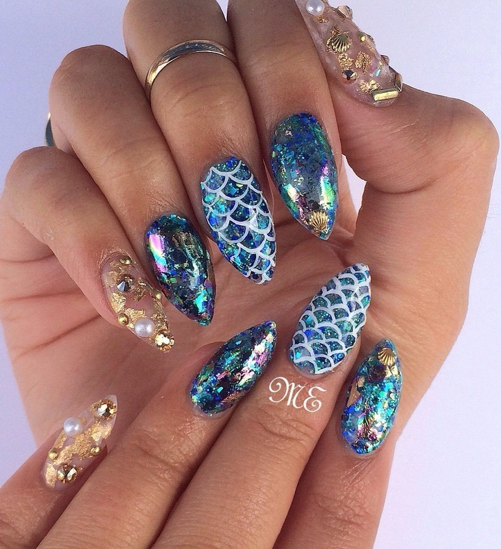 Mermaid Life Revisited nail art by Miriam