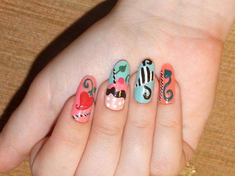 Cupcake nail art by Paulina Domoradzka