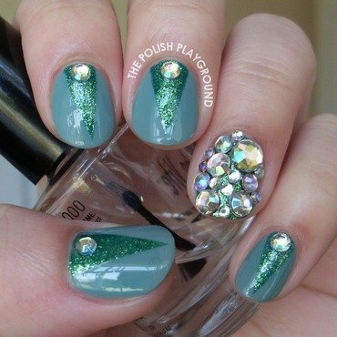 Green color block with rhinestones nail art thumb370f