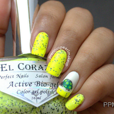 Turtle Day Nails nail art by Pearl P.