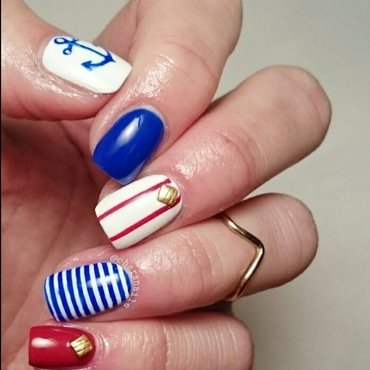 nautical ⚓  nail art by Charlotte