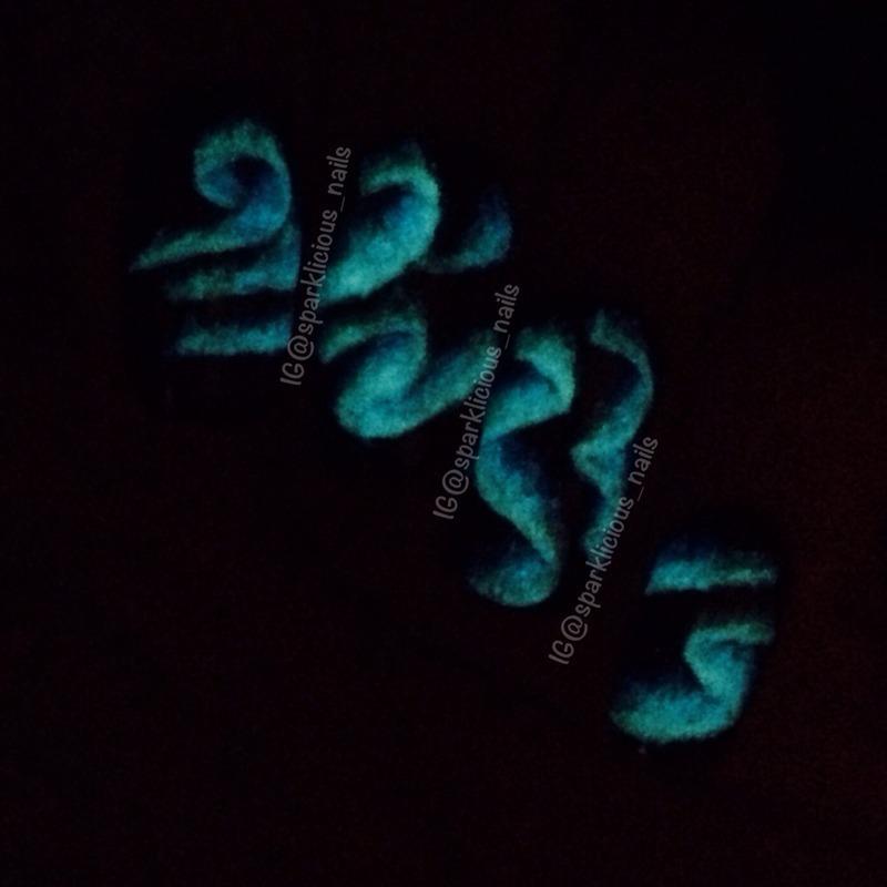 "Aurora Borealis Glow-in-the-Dark nail art by Amanda ""Sparklicious Nails"""