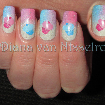 Opi seagullible pastel gradient cupcakes 1 thumb370f
