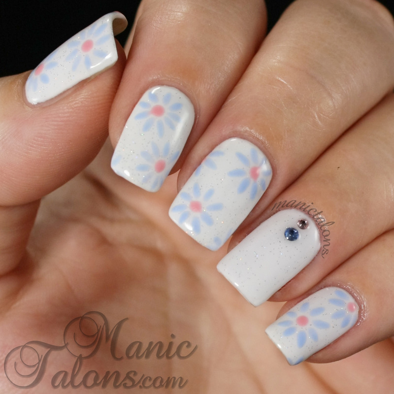 Simple Blue Daisies nail art by ManicTalons