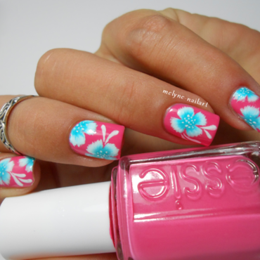 Nail art fleur tropicale one stroke essie off the shoulder c thumb370f