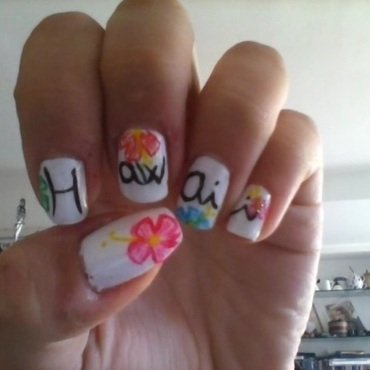 Hawaii nail art by Giorgia
