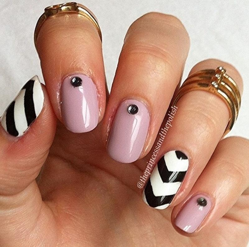 Single Chevrons nail art by Alexandra