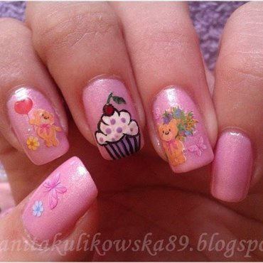 Sweet Cupkcake with Teddy :) nail art by Anita