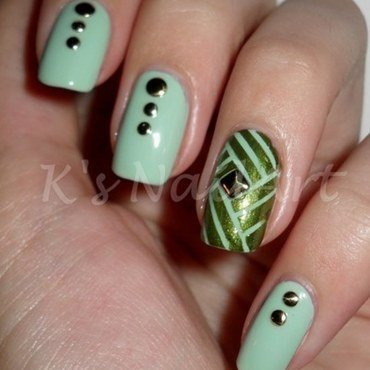 Green tape nails thumb370f