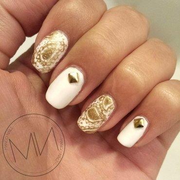 White x gold paisley combo  nail art by Mango Nailz
