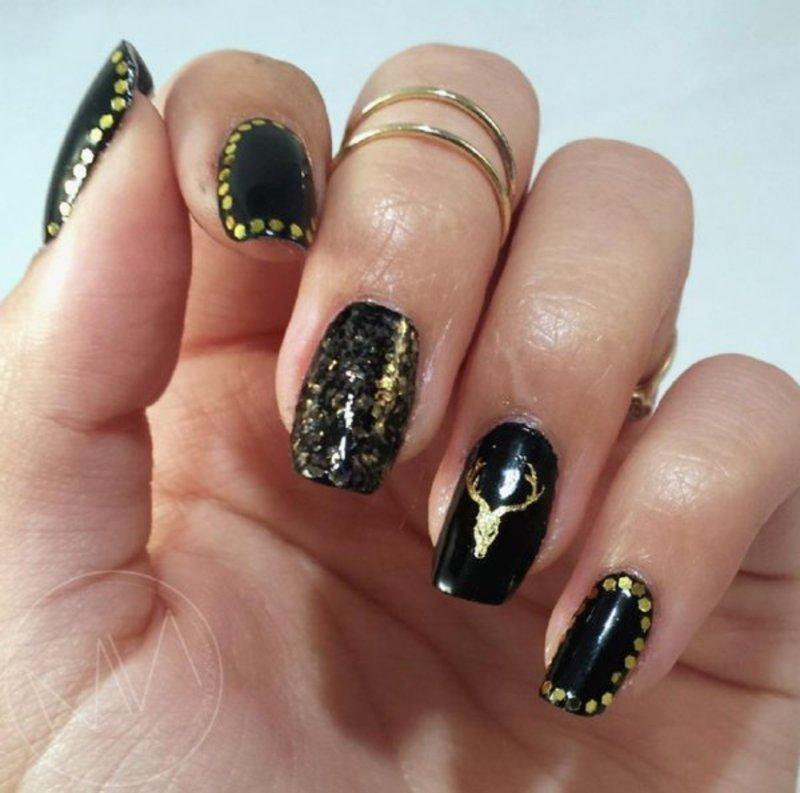 Decal x glitter placement  nail art by Mango Nailz
