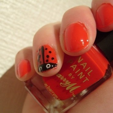 Ladybird Accent Nail nail art by Lina-Elvira