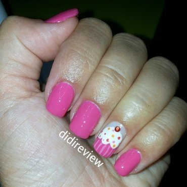 keep calm and paint a cupcake ♥  nail art by Didi didireview