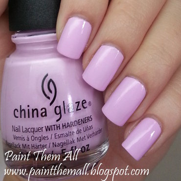 China Glaze In A Lily Bit Swatch by Yael S