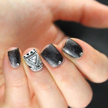 Black & White nail art by Cocosnailss