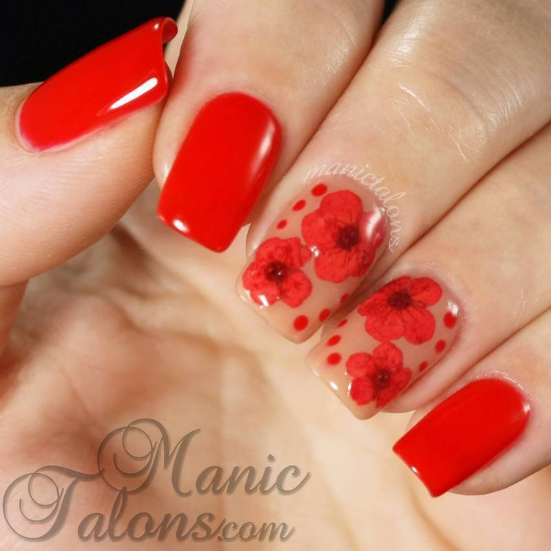 Dried Flowers in Gel Polish nail art by ManicTalons
