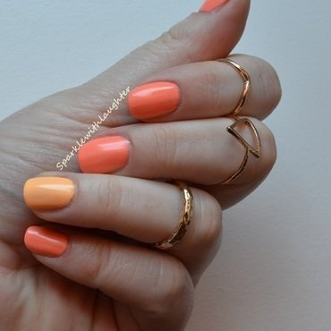 Maybelline Colorama Bleached Neons 242 and Maybelline Colorama Bleached Neons 241 Swatch by Sanja