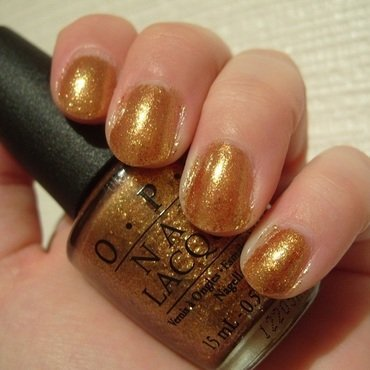 OPI Goldeneye Swatch by Lina-Elvira