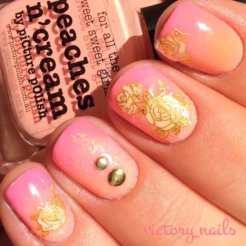 Gradient w. roses & studs nail art by Nicole