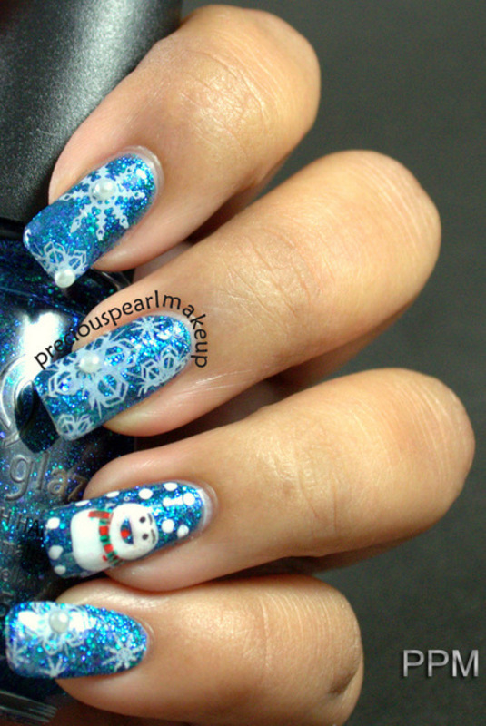 SnowFlakes nail art by Pearl P.