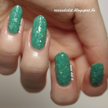 Nayll Fake Teals of San Fransisco Swatch by Robin